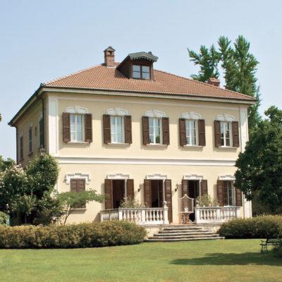 Foto frontale di Villa Umberto, location per Matrimoni ed eventi privati vicino a milano